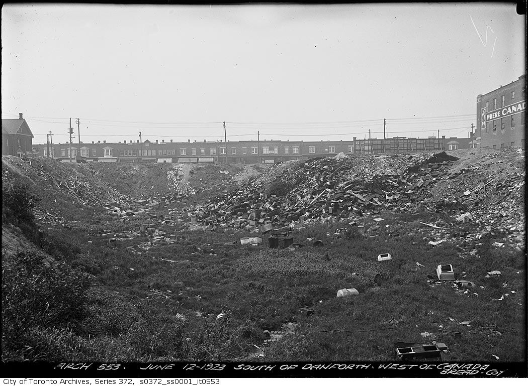The Ashbridge's Creek ravine, east of Greenwood, was filled with junk, but it often smelled lovely with the big Canada Bread plant on the right. It's employees kept things hopping at the Linsmore, across the street.