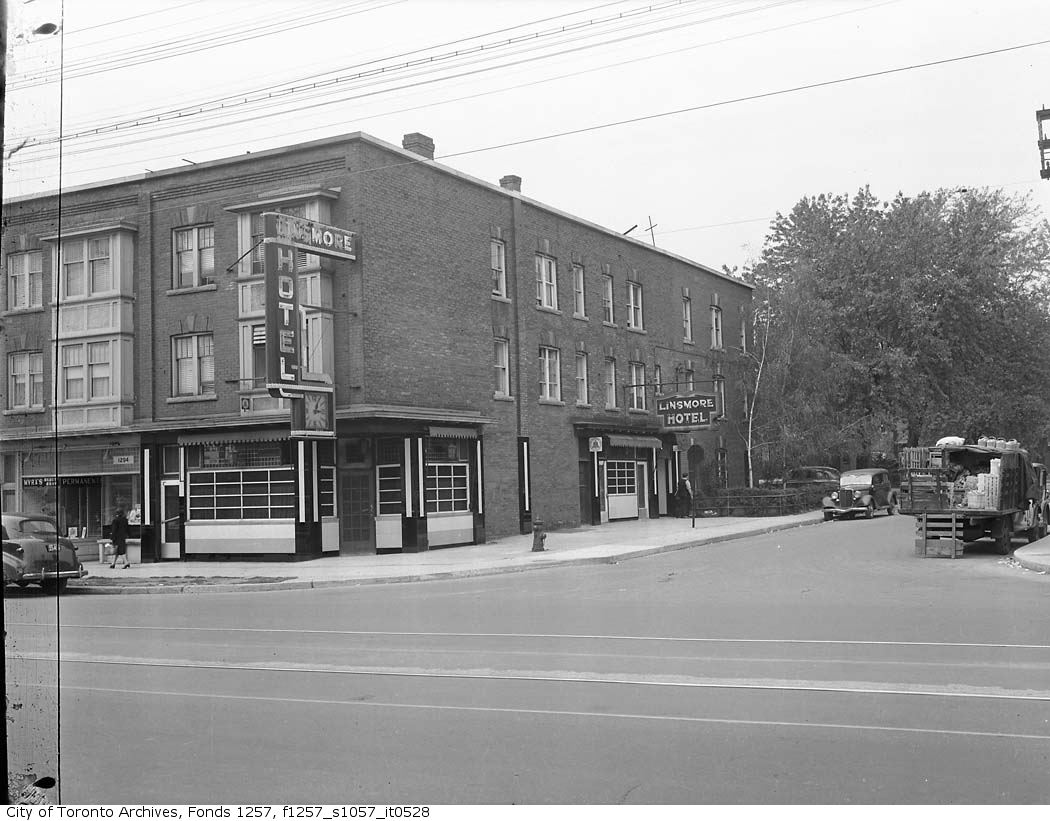 The Linsmore got its licence, over neighbourhood objections, in 1934. The windows out front were opaque, allowing men to drink without prying eyes of neighbours. The ladies and escorts entrance was around the side. The place was packed on shift changes at Canada Bread, it's where Dorothy Cox was last seen alive, and it later became a pre-movie meeting spot for patrons of the Roxy.